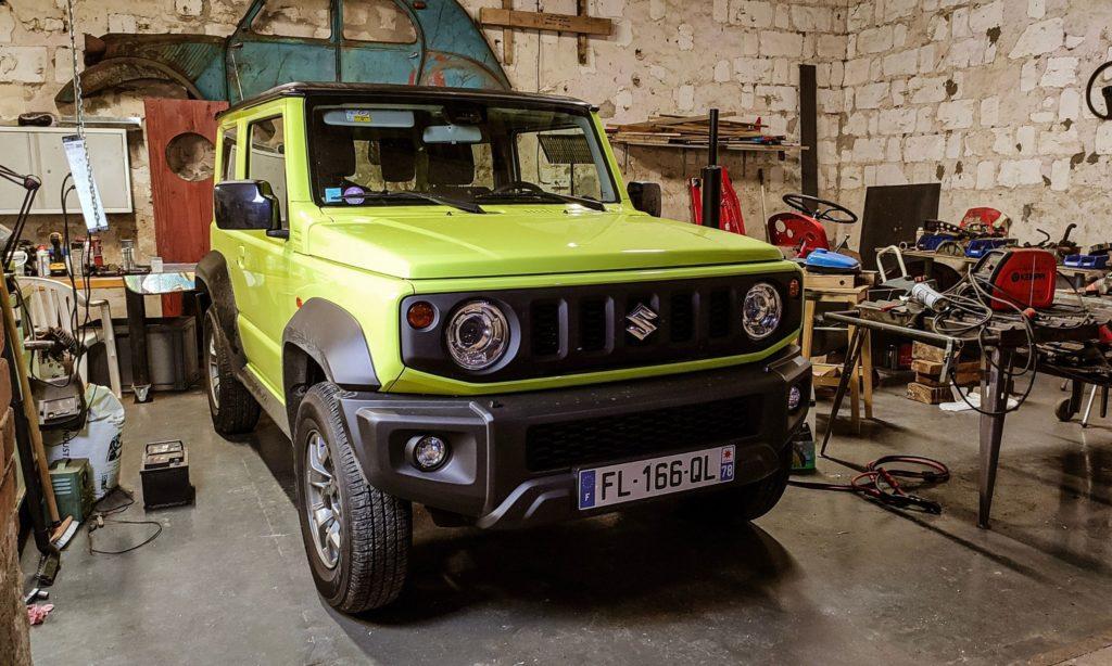 Suzuki Jimny : dans une grange