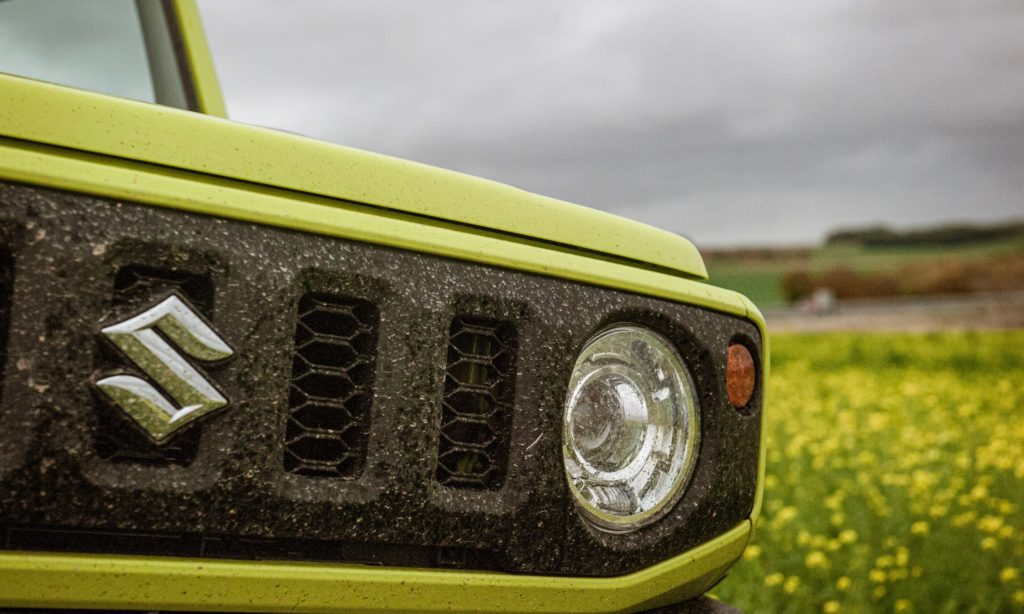 Suzuki Jimny : calandre et logo