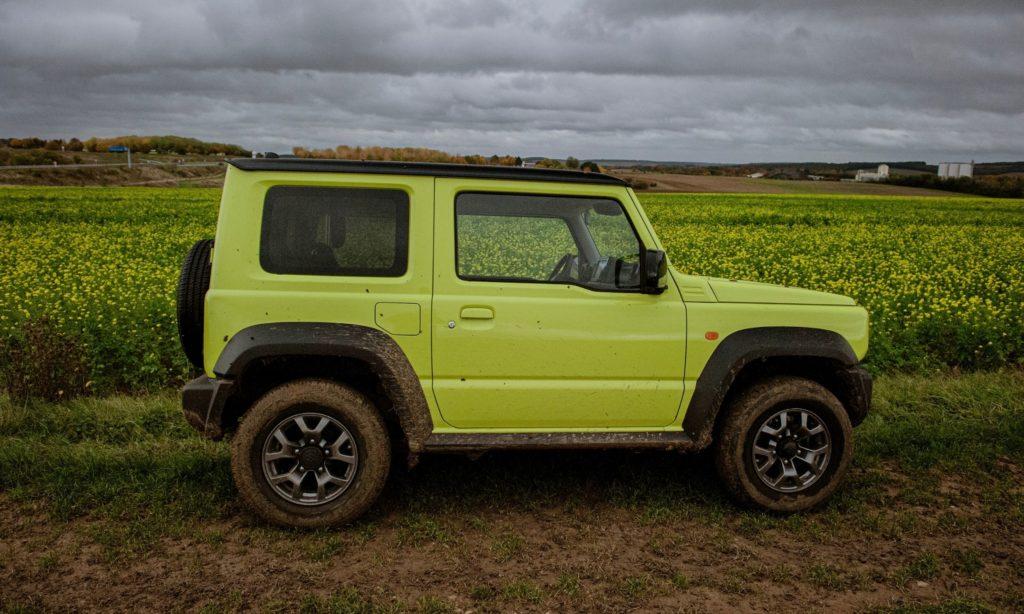 Suzuki Jimny :vue de profil