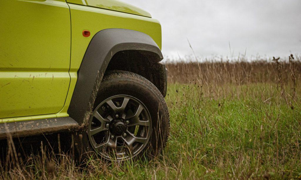 Suzuki Jimny : roue avant droite