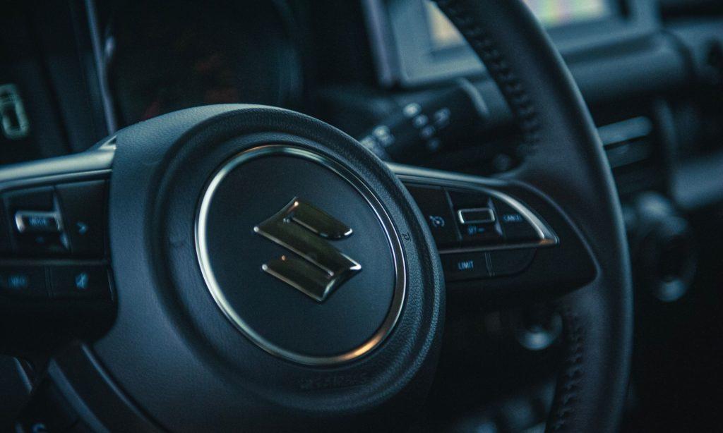 Suzuki Jimny : le volant
