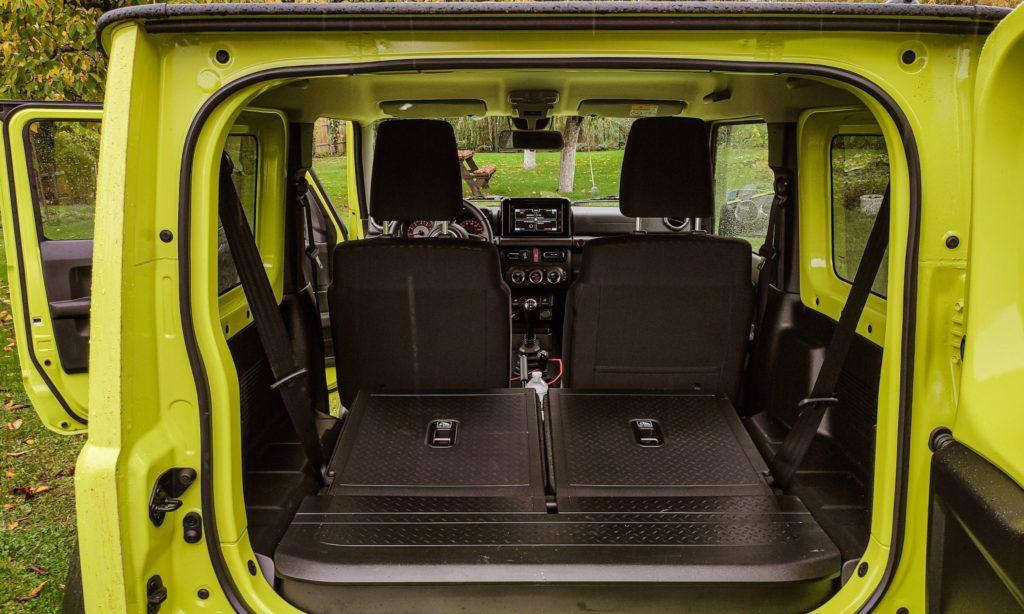 Suzuki Jimny : sièges arrière rabattus